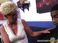 腫れはコンドームで鶏を引っ張ります 女の子 の アダルト ビデオ