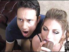 ソーイングは短いスカートの下で苦いです 女の子 の ため の セックス 動画