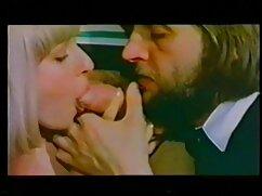 私はかつて黄色のソファの上でVerkaと恋に落ちました。 女の子 用 エッチ な 動画